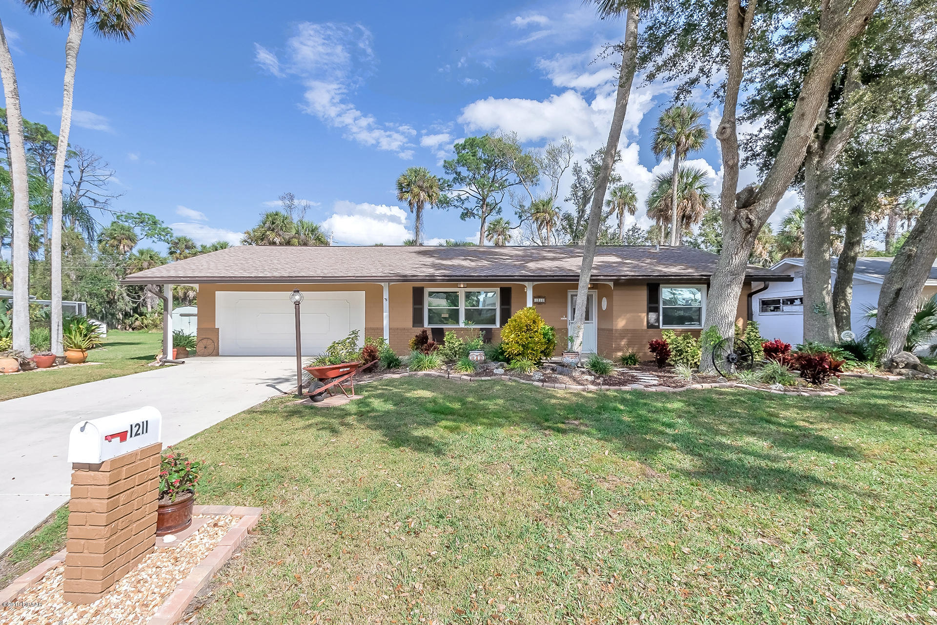Photo of 1211 Golfview Drive, Daytona Beach, FL 32114