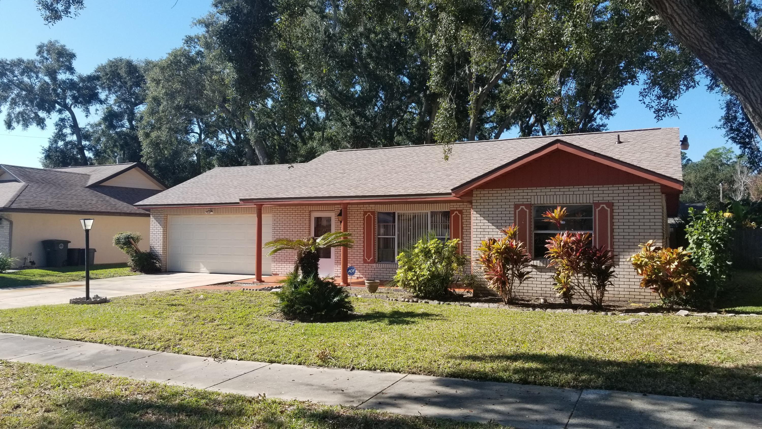 Photo of 1424 Edgewater Road, Daytona Beach, FL 32114