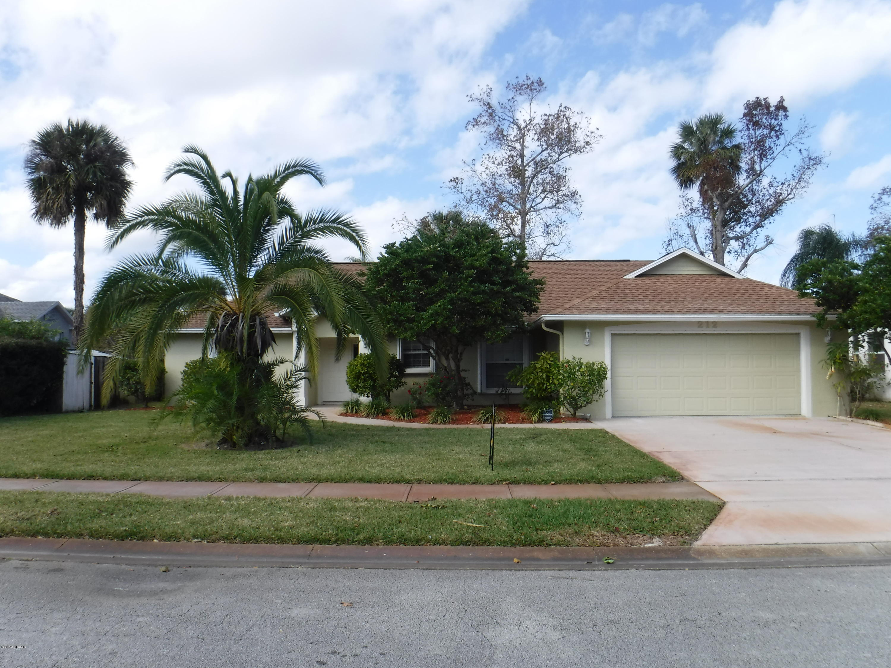212  Hollowbrook Circle,Daytona Beach  FL