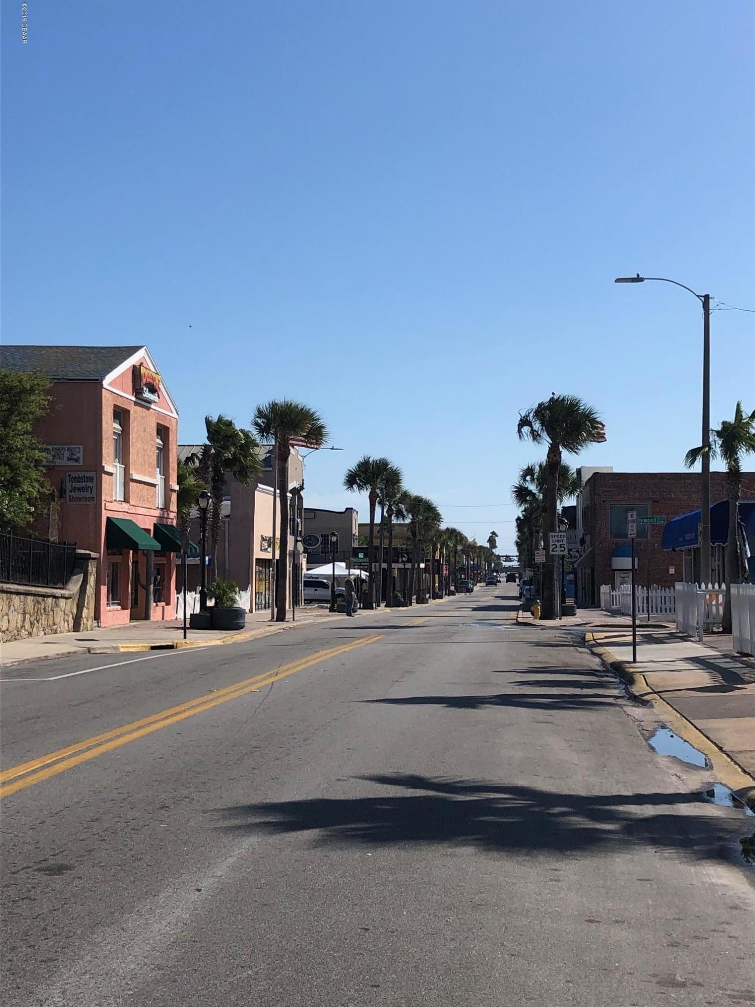 17 Halifax Daytona Beach - 6