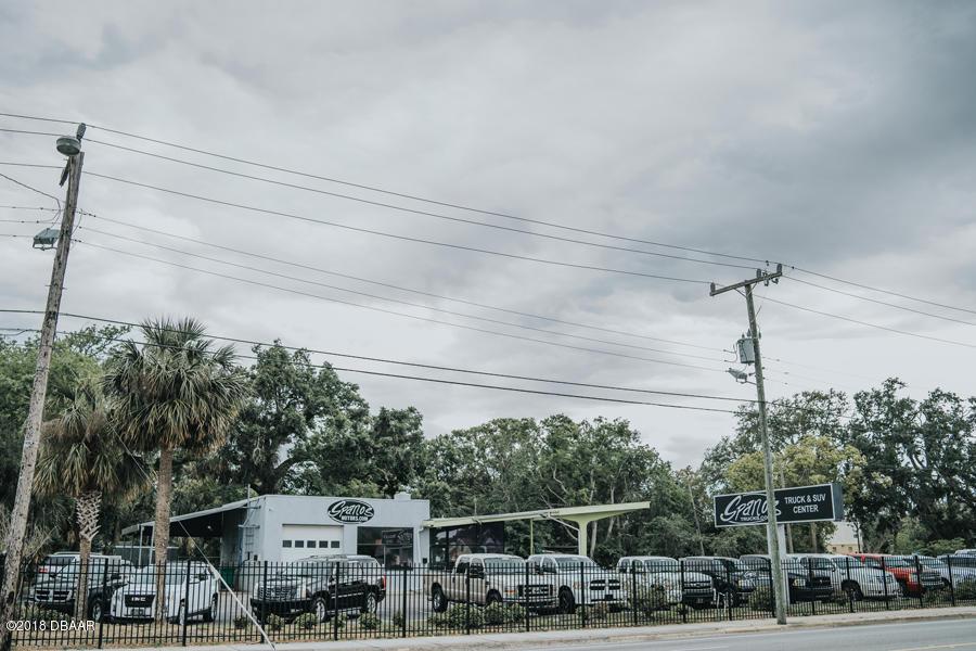 Photo of 555 W International Speedway Boulevard, Daytona Beach, FL 32114