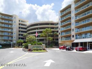 4Oceans West Boulevard