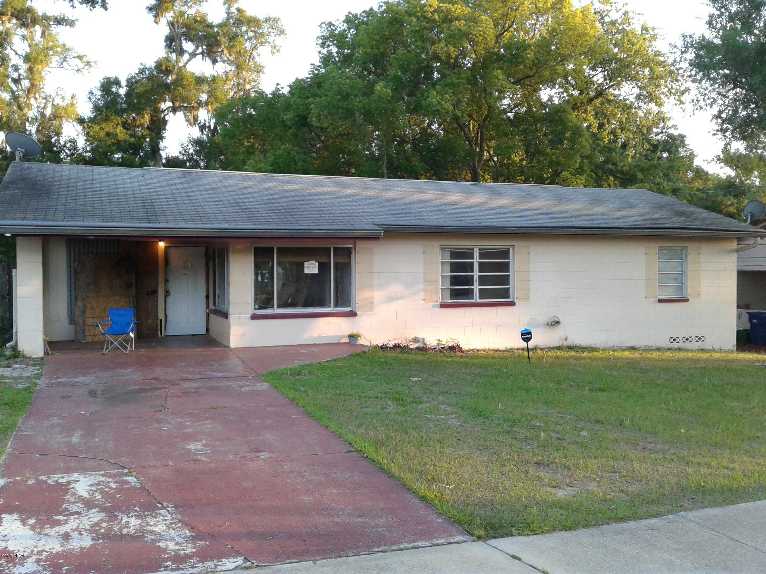Photo of 118 W Palmetto Avenue, DeLand, FL 32720
