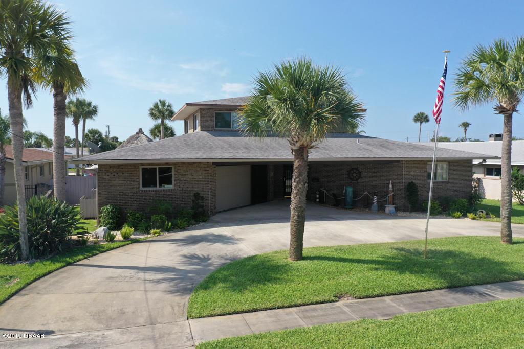 Photo of 137 Sea Isle Circle, South Daytona, FL 32119