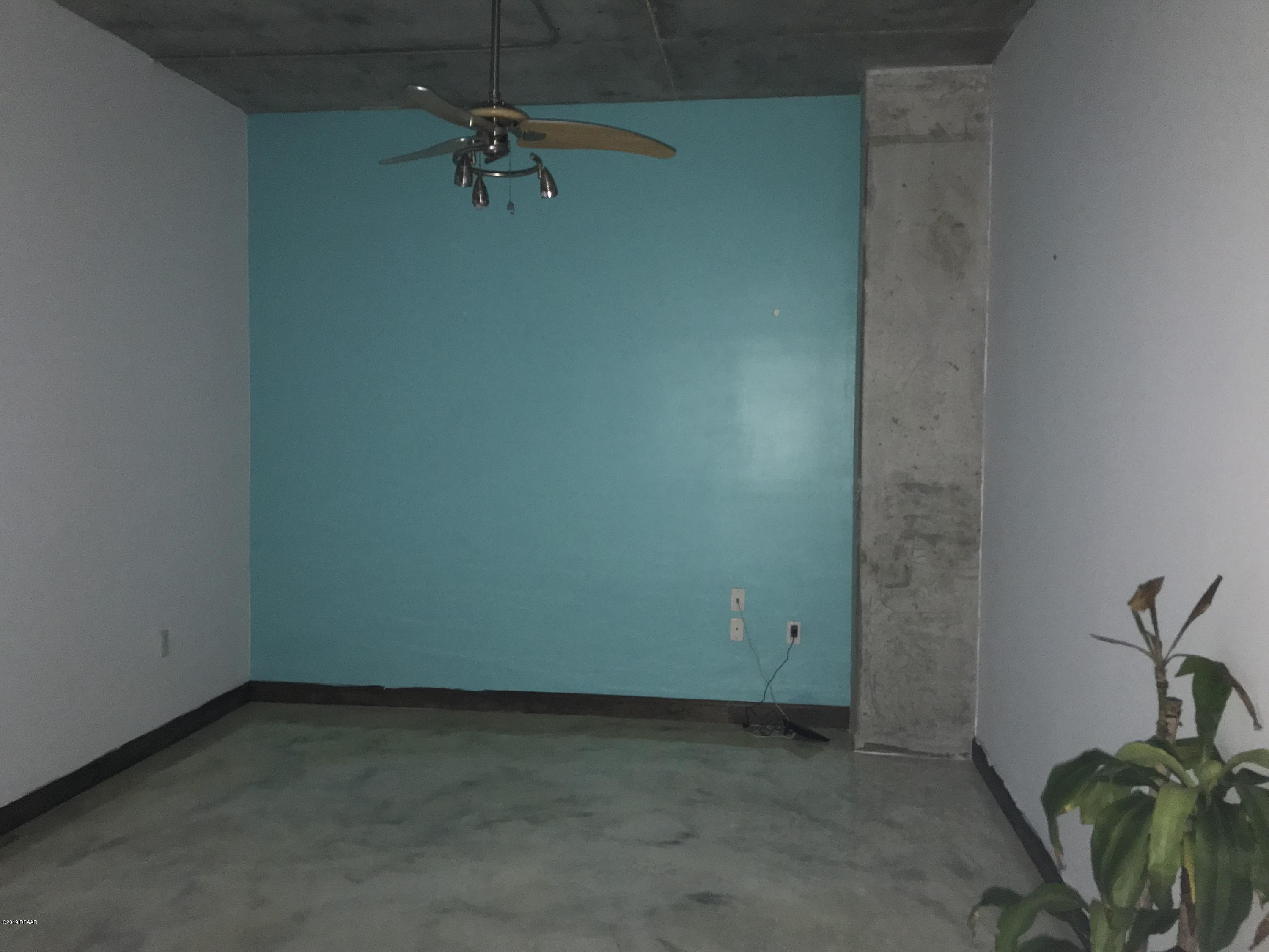 208 Wall Daytona Beach - 6