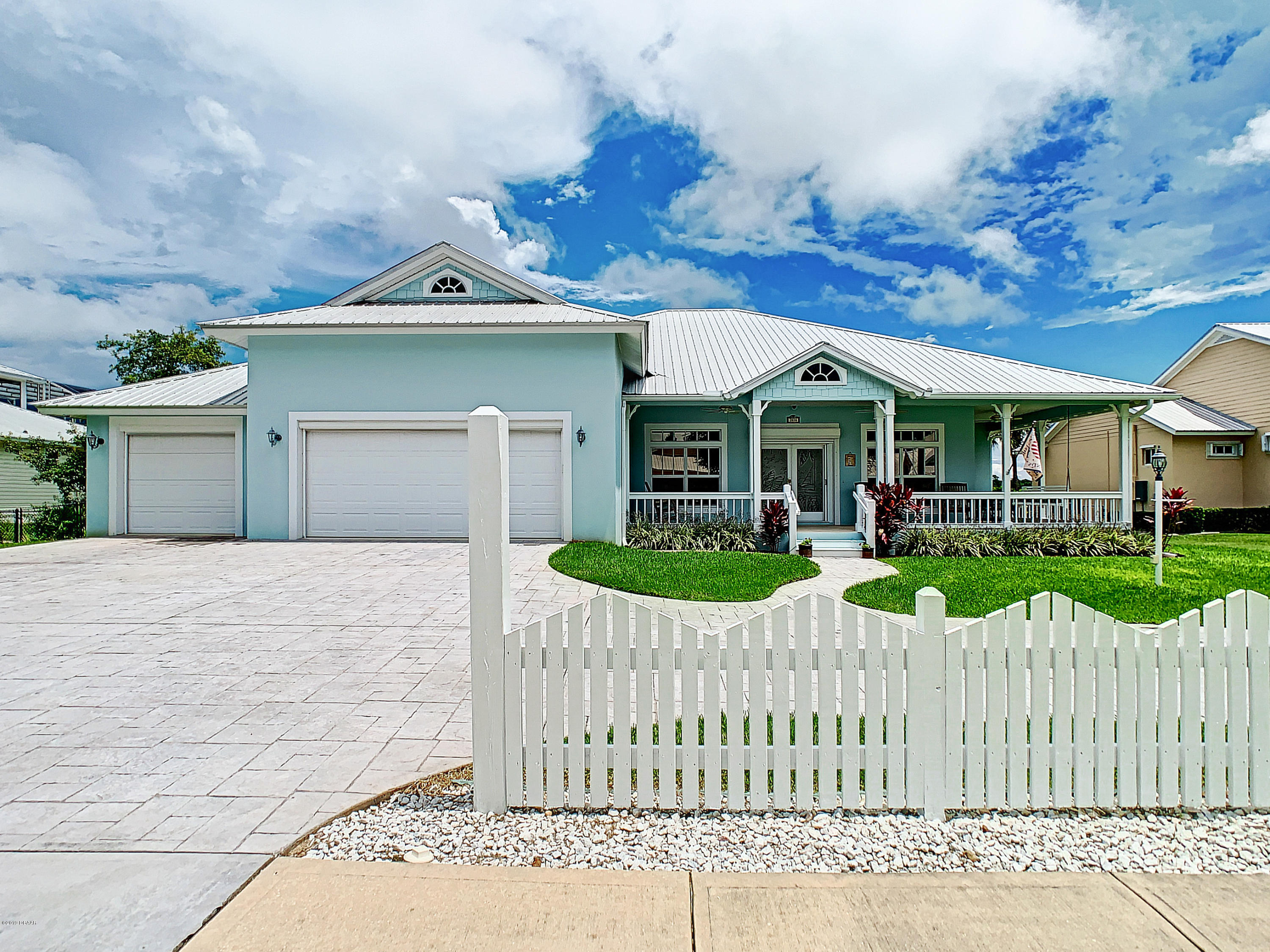 Photo of 2816 Bay Side Drive, New Smyrna Beach, FL 32168
