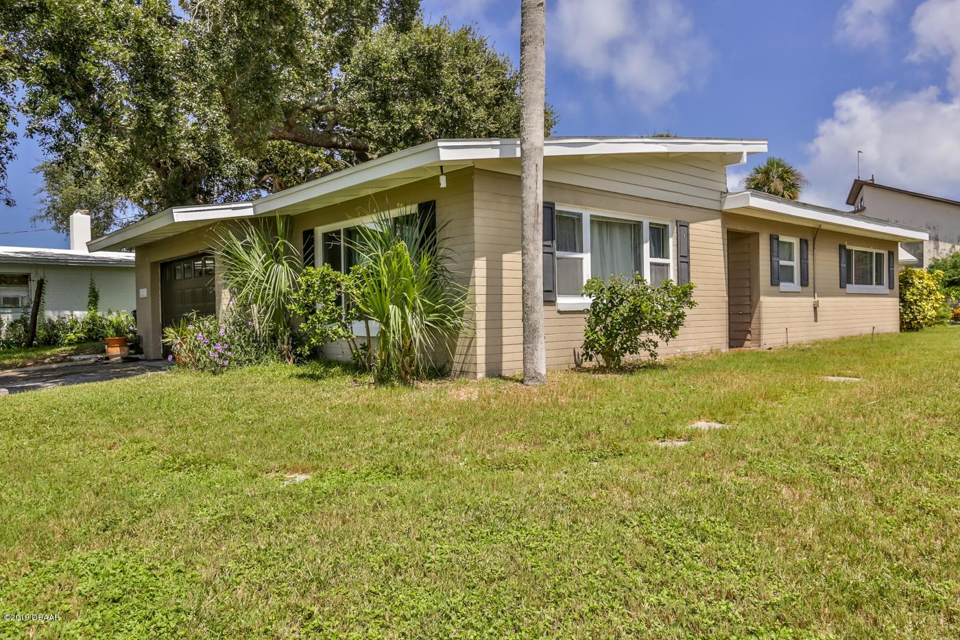 Photo of 1149 John Anderson Drive, Ormond Beach, FL 32176