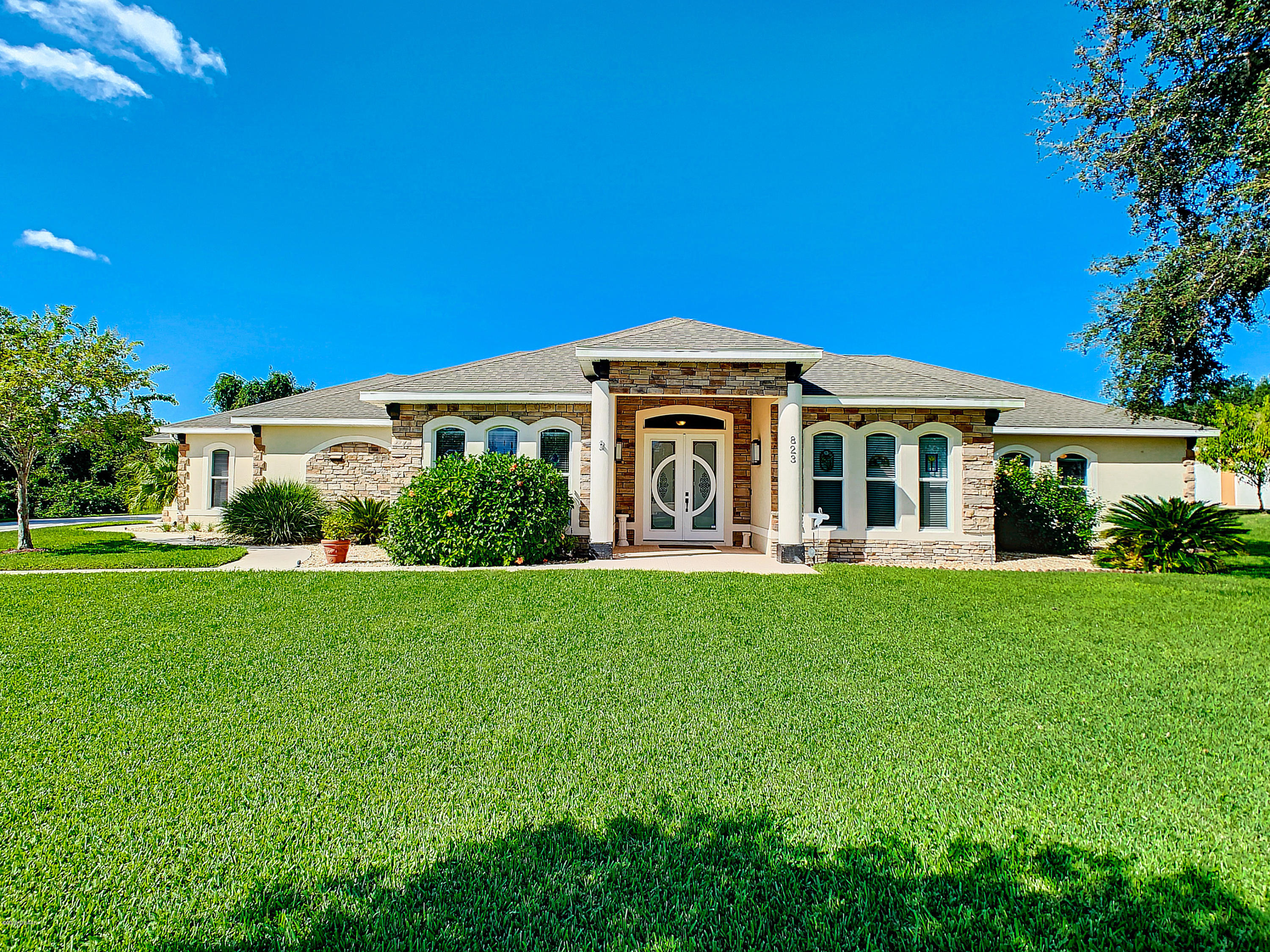 Photo of 823 W Pheasant Run Court, Port Orange, FL 32127