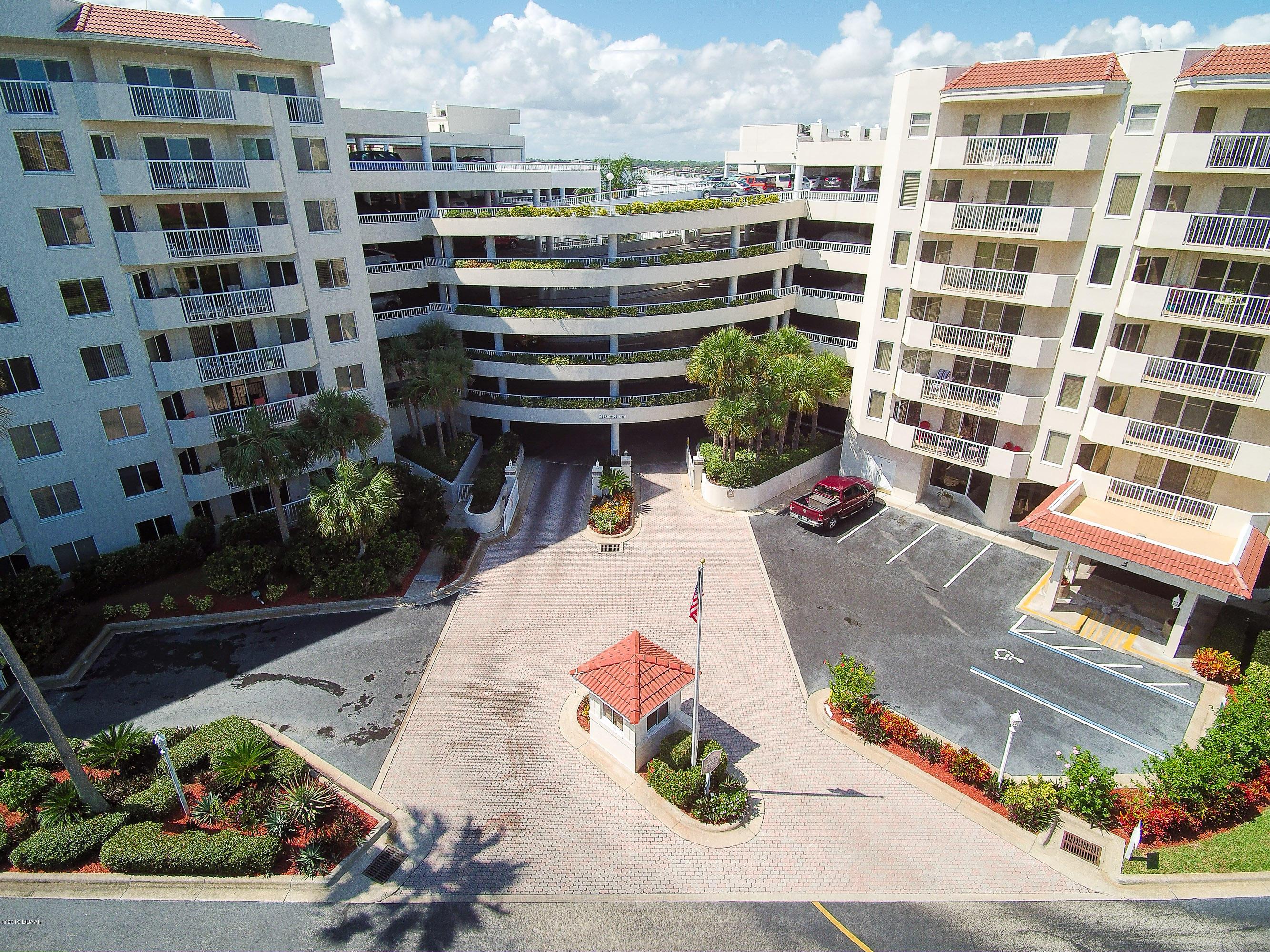 Photo of 3 Oceans W Boulevard #1C7, Daytona Beach Shores, FL 32118