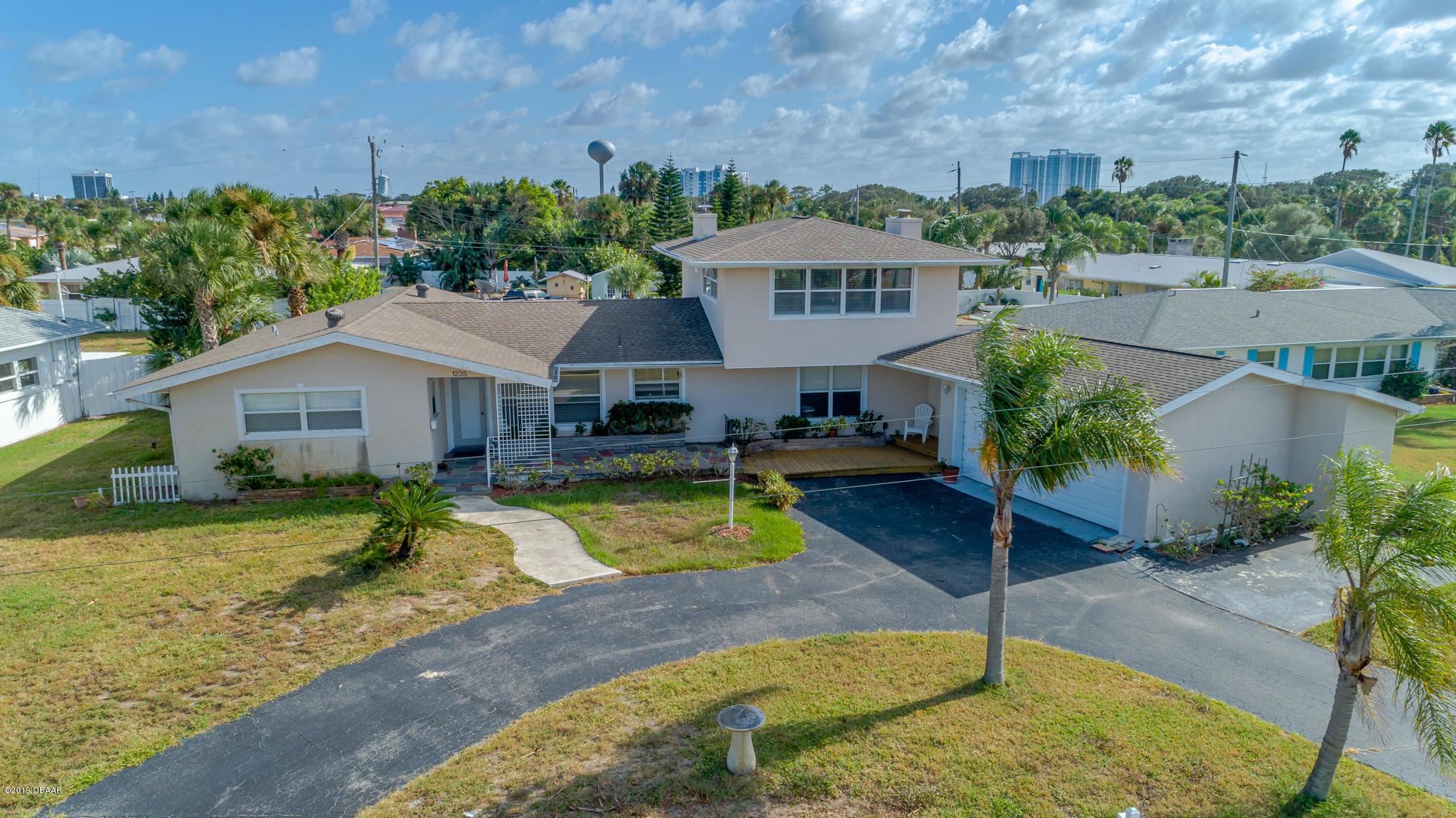 Photo of 1235 Flagstone Drive, Daytona Beach, FL 32118