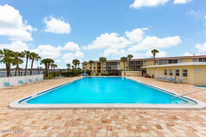 715 Beach Daytona Beach - 6