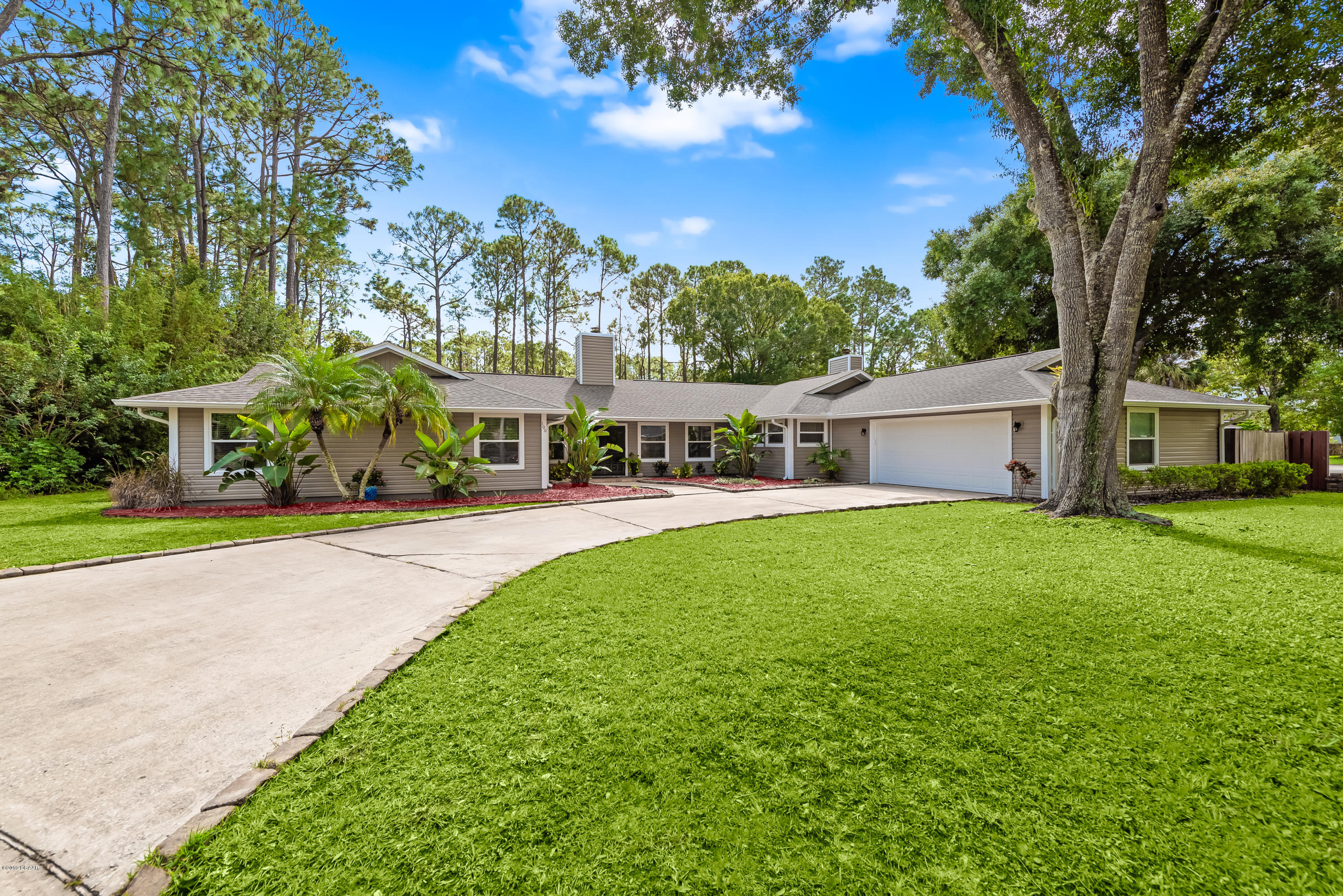 Photo of 100 Pine Needles Circle, Daytona Beach, FL 32114