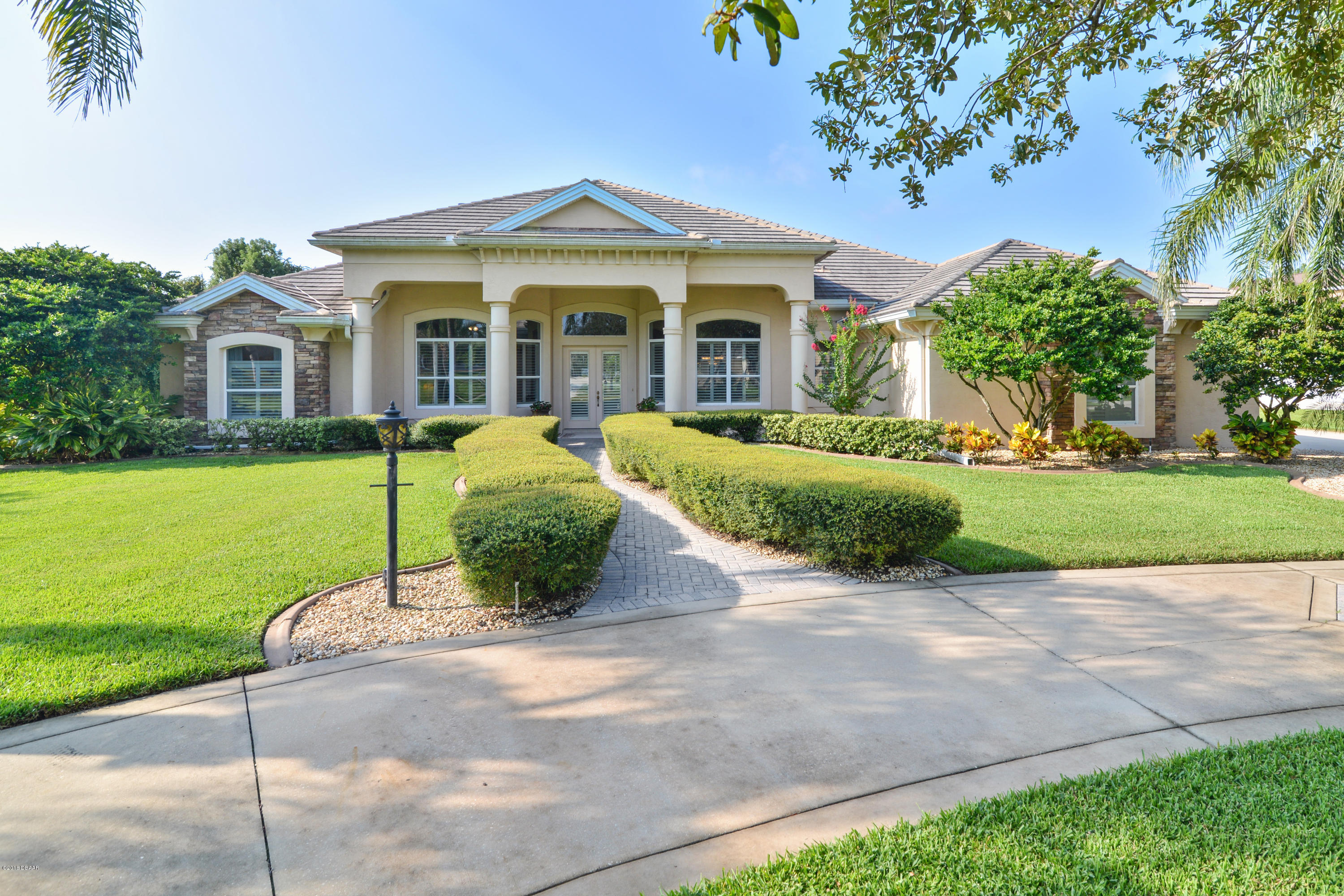 Photo of 820 W Pheasant Run Court, Port Orange, FL 32127