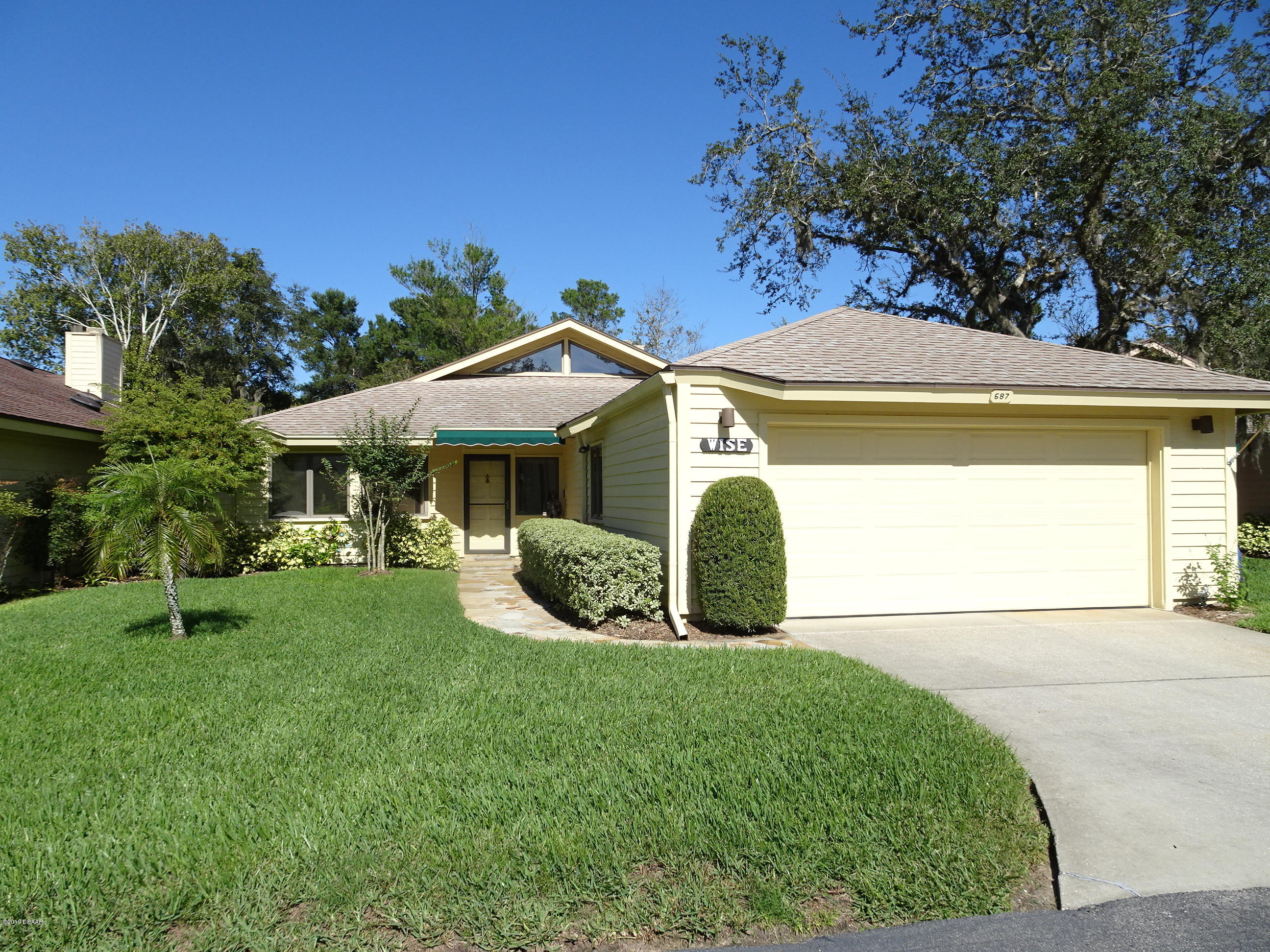 Photo of 687 Saint Andrews Circle, New Smyrna Beach, FL 32168