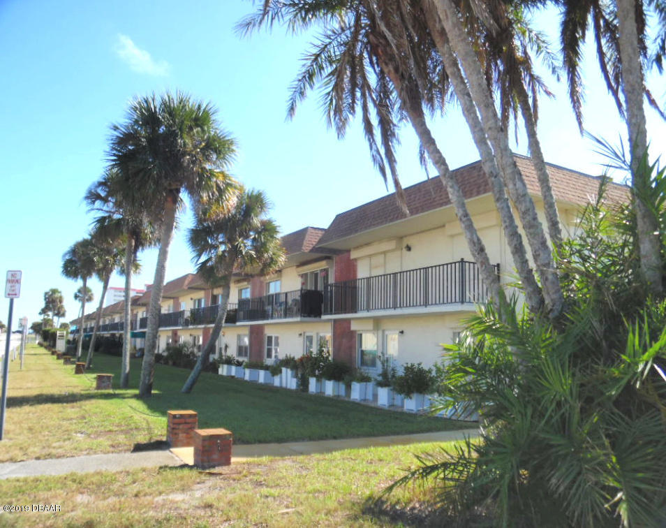 Photo of 10 Lynnhurst Drive #202, Ormond Beach, FL 32176