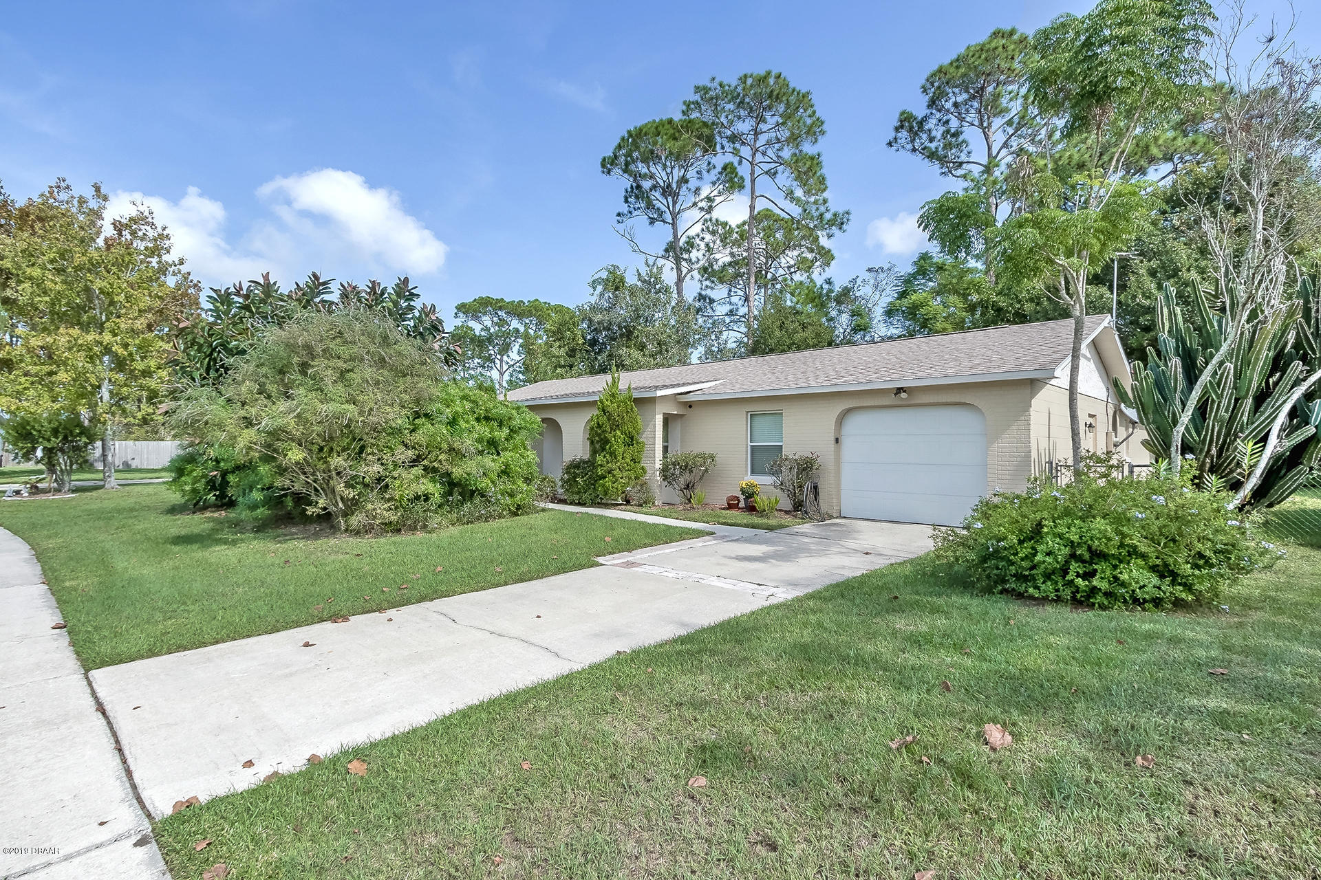 Photo of 1381 E Dexter Drive, Port Orange, FL 32129