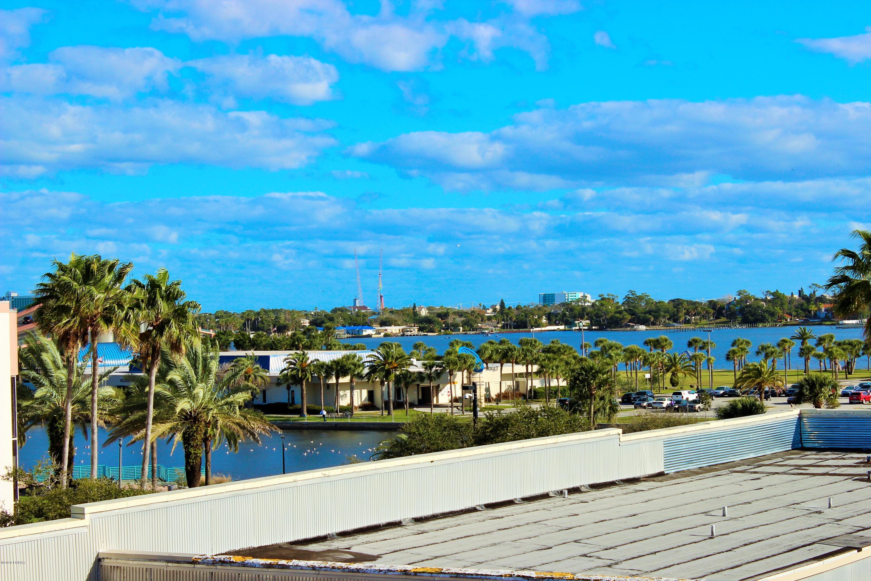 208 Wall Daytona Beach - 9