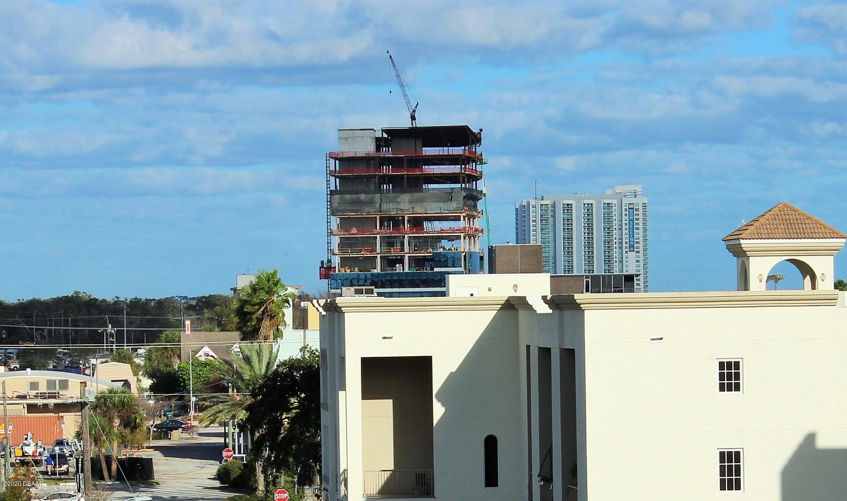 208 Wall Daytona Beach - 11