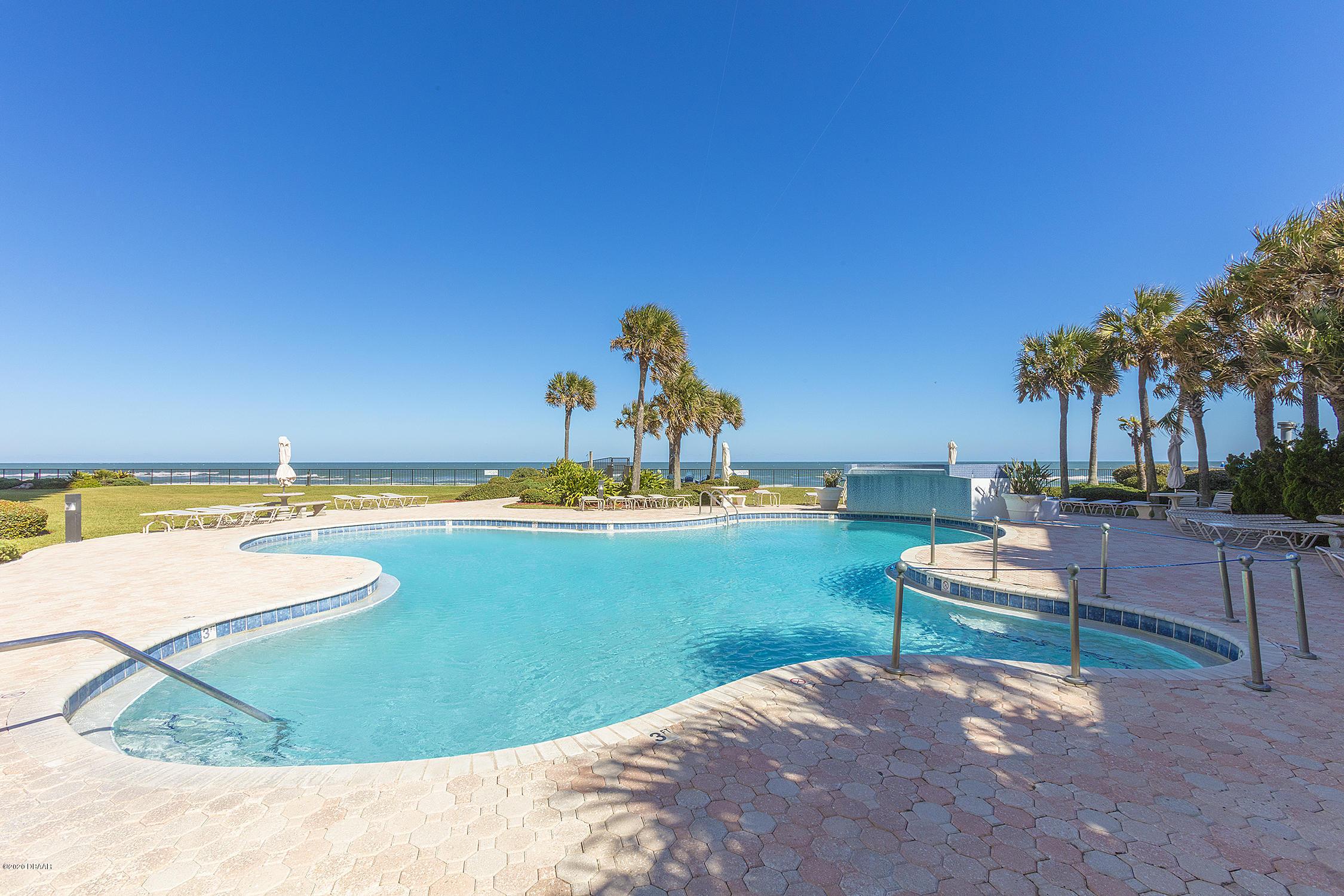 2425 Atlantic Daytona Beach - 36