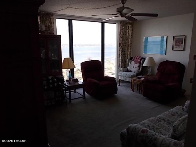 1 Oceans W Daytona Beach - 3