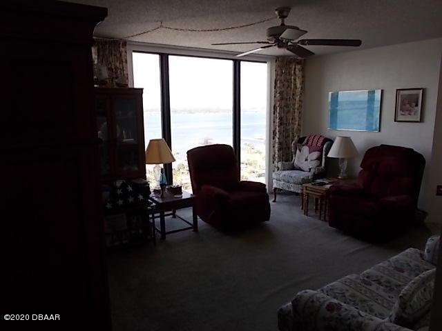 1 Oceans W Daytona Beach - 4