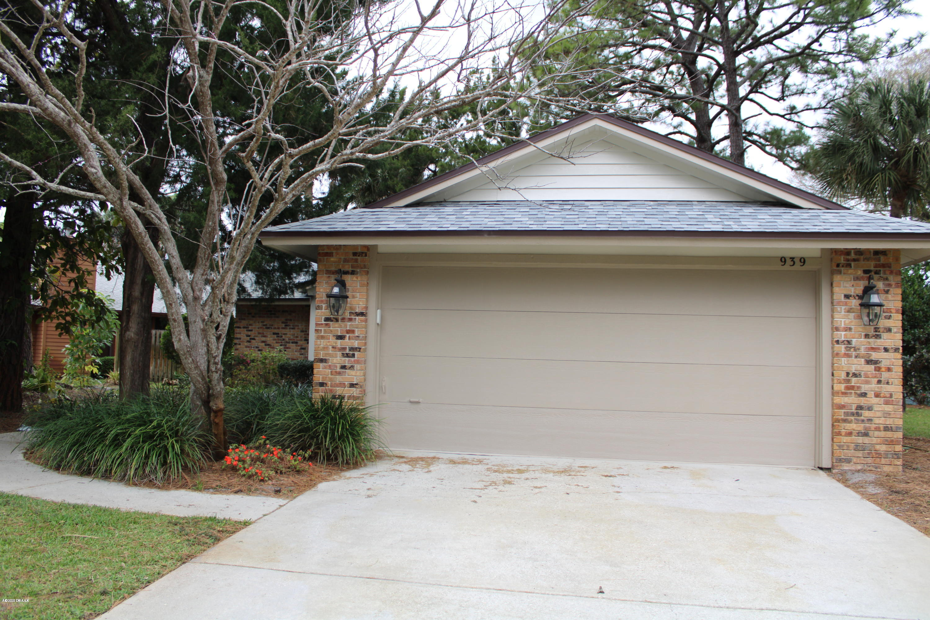 Photo of 939 N Lakewood Terrace, Port Orange, FL 32127