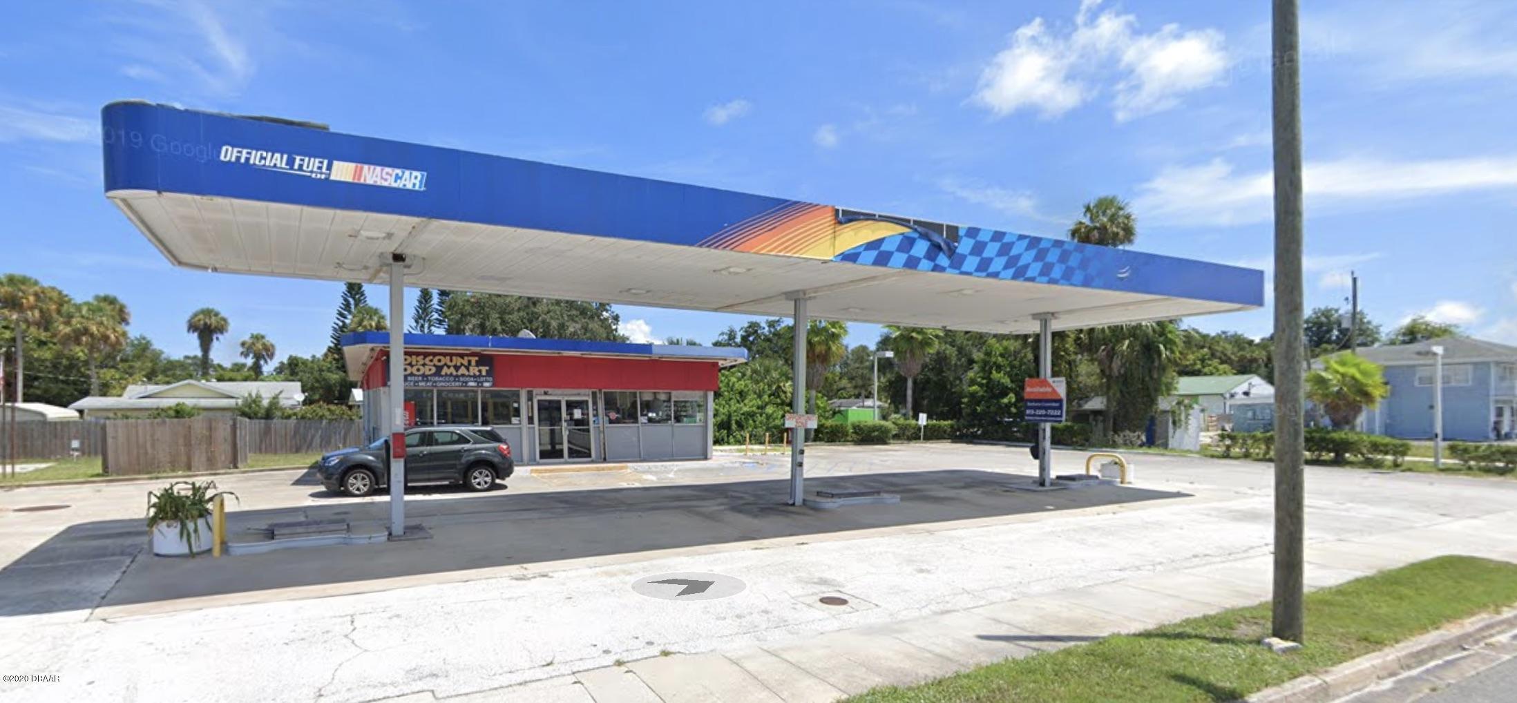 Photo of 607 N Ridgewood Avenue, Edgewater, FL 32132