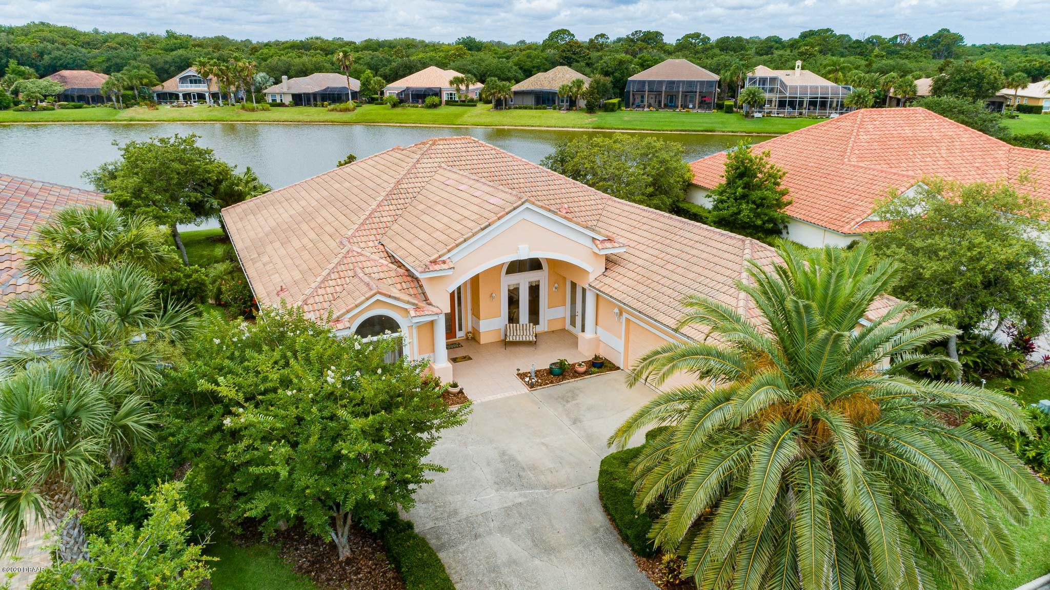 Photo of 18 E Oak View Circle, Palm Coast, FL 32137