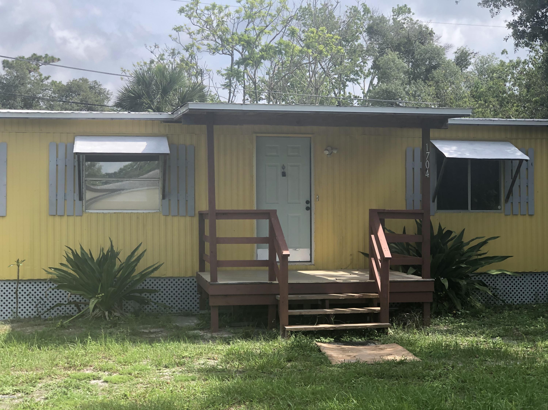 Photo of 1704 Avenue B, Ormond Beach, FL 32174