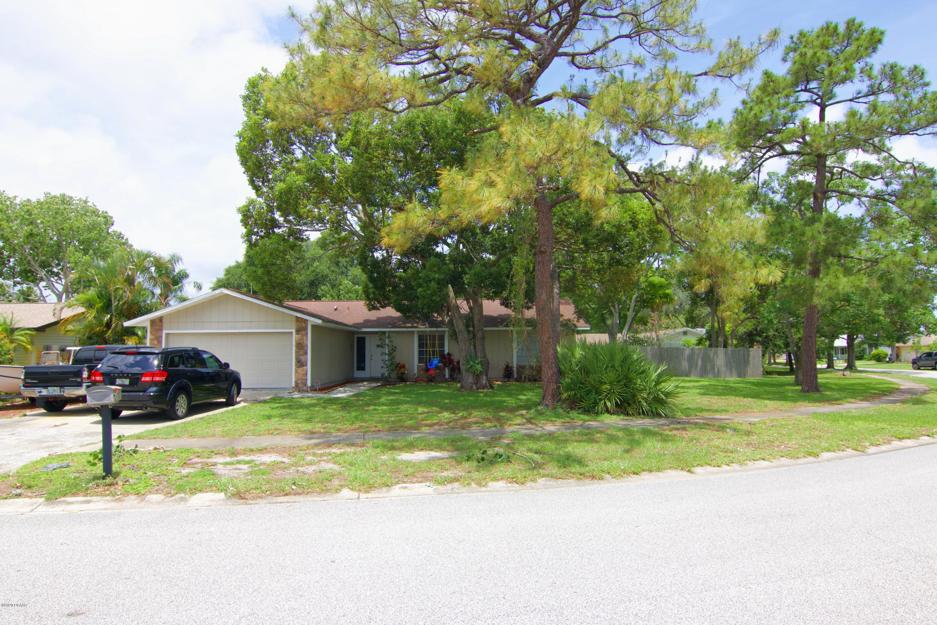 Photo of 858 W Pine Forest Trail, Port Orange, FL 32127
