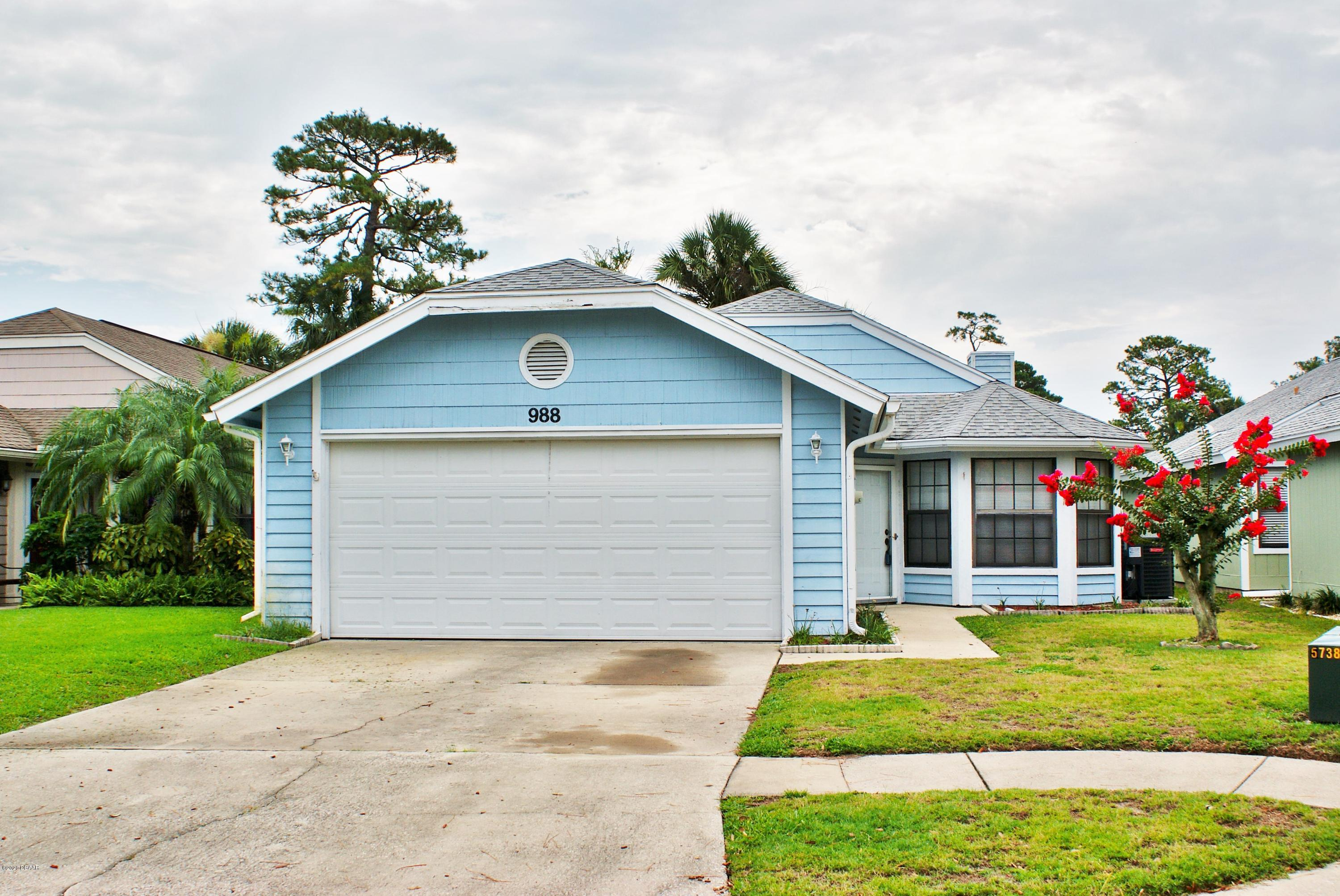 Photo of 988 Breezemont Court, Port Orange, FL 32127