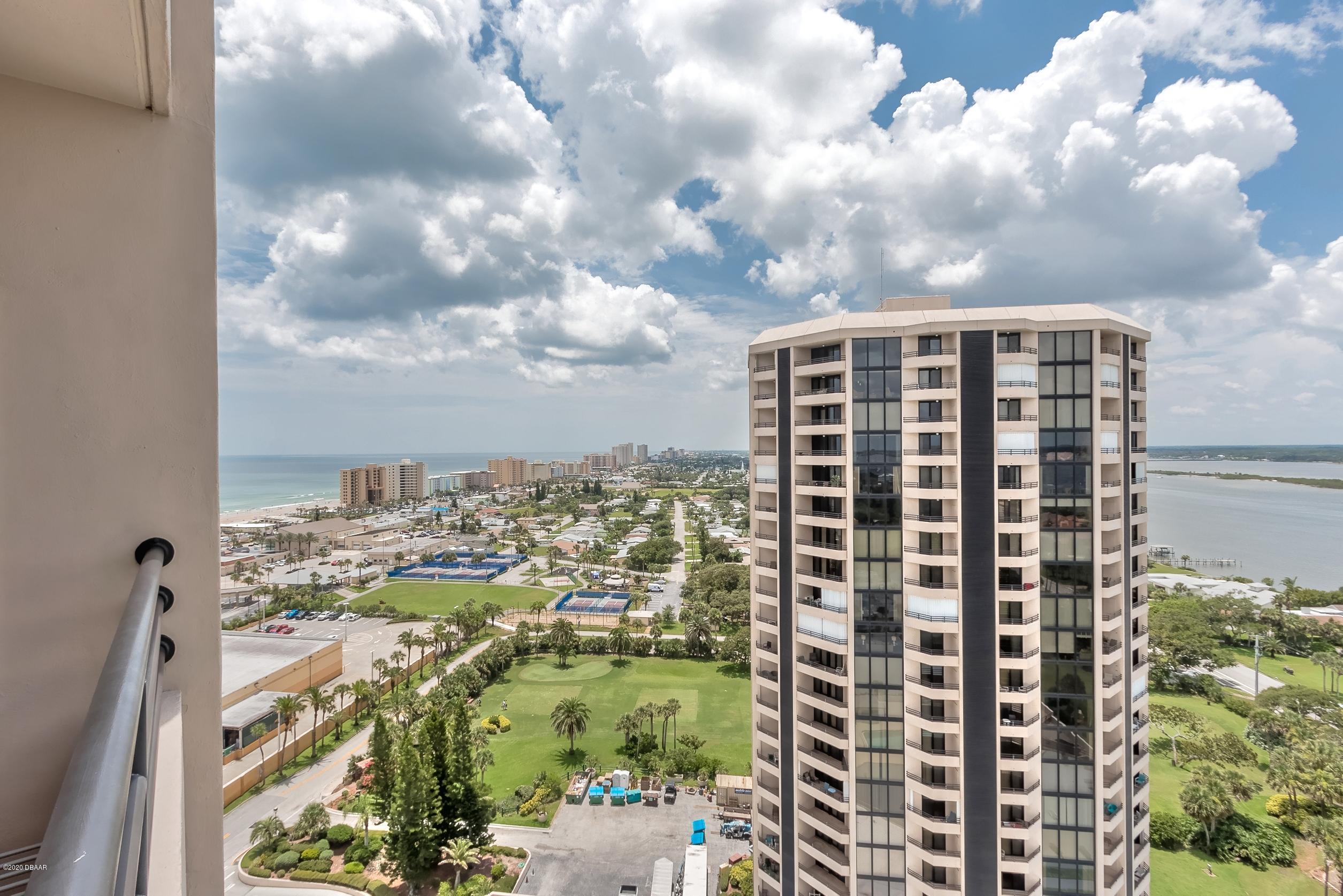 1 Oceans W Daytona Beach - 17