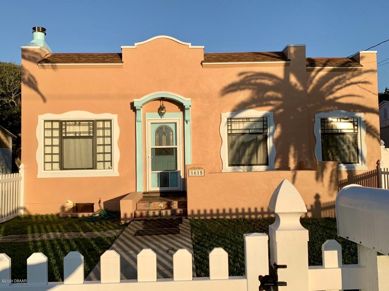 Photo of 1615 N Grandview Avenue, Daytona Beach, FL 32118
