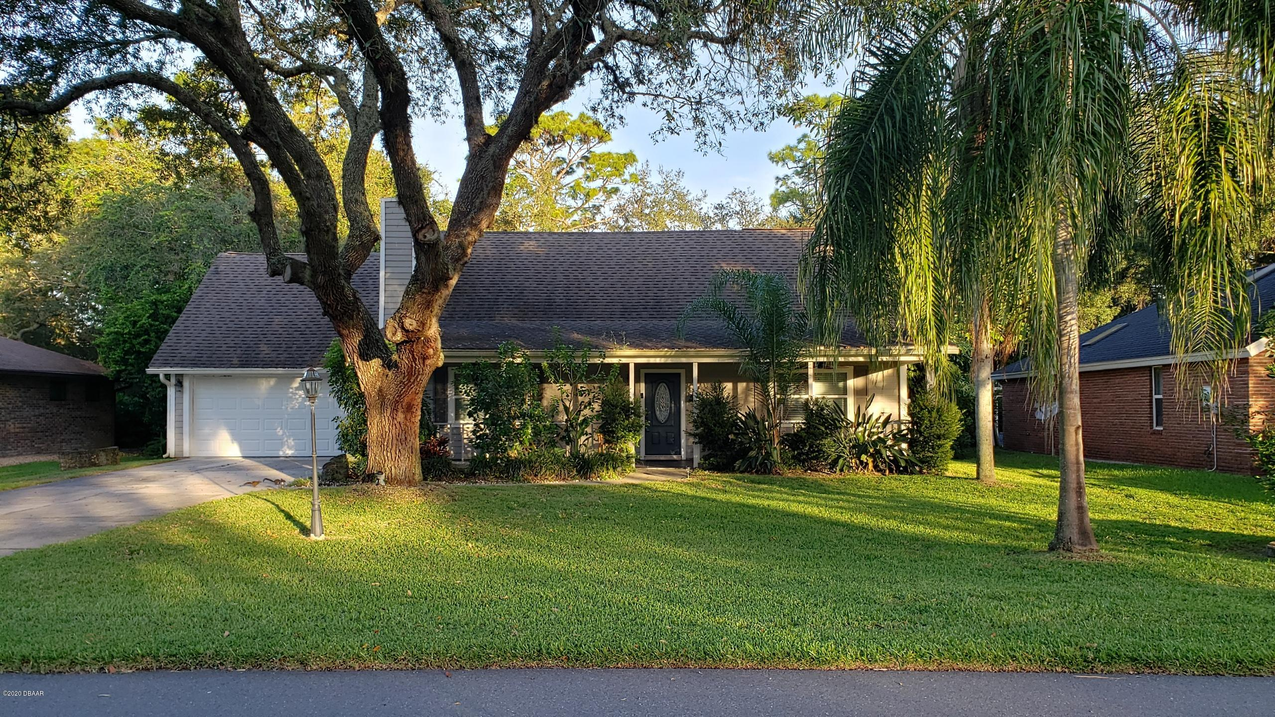 Photo of 33 Lazy Eight Drive, Port Orange, FL 32128