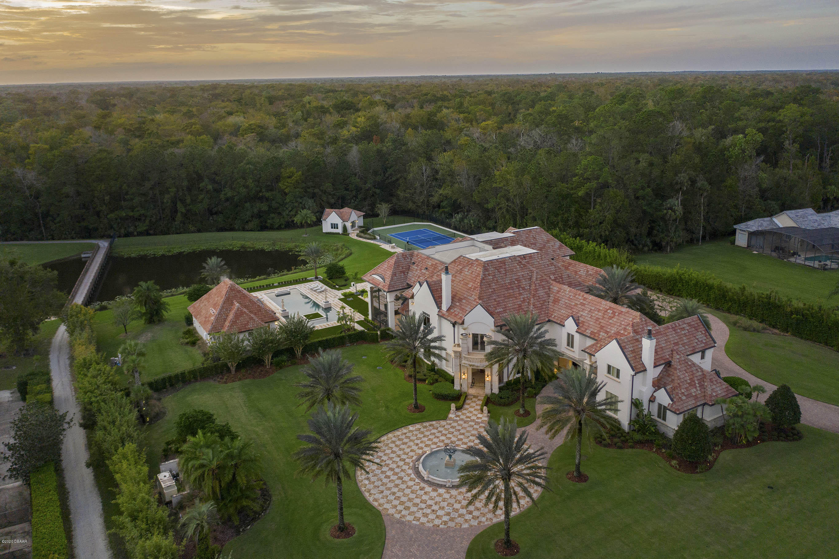 Photo of 2501 Alaqua Drive, Longwood, FL 32779