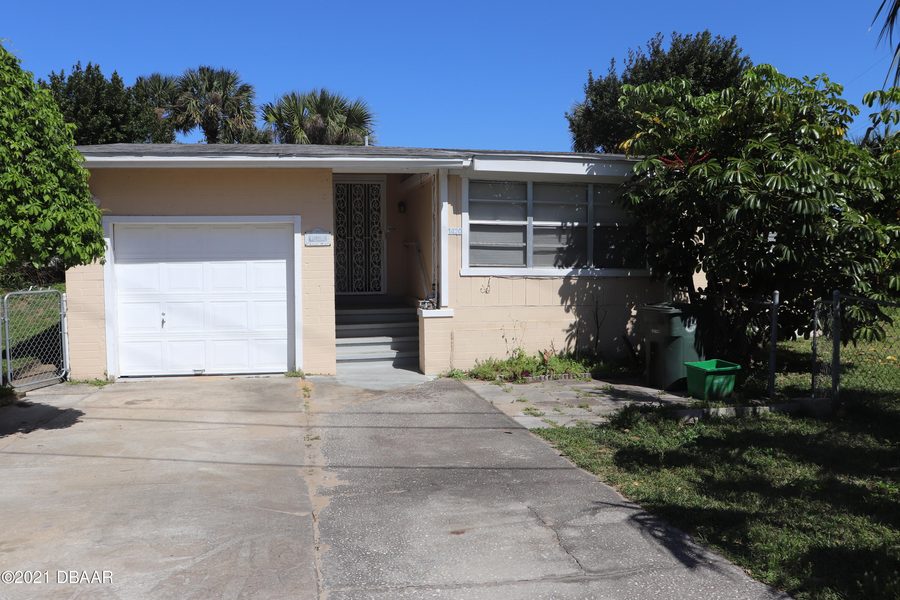 Photo of 1420 N Grandview Avenue, Daytona Beach, FL 32118
