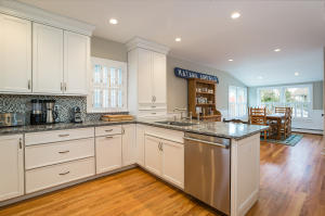 17 YARMOUTH ROAD, ROWAYTON, CT 06853  Photo 9