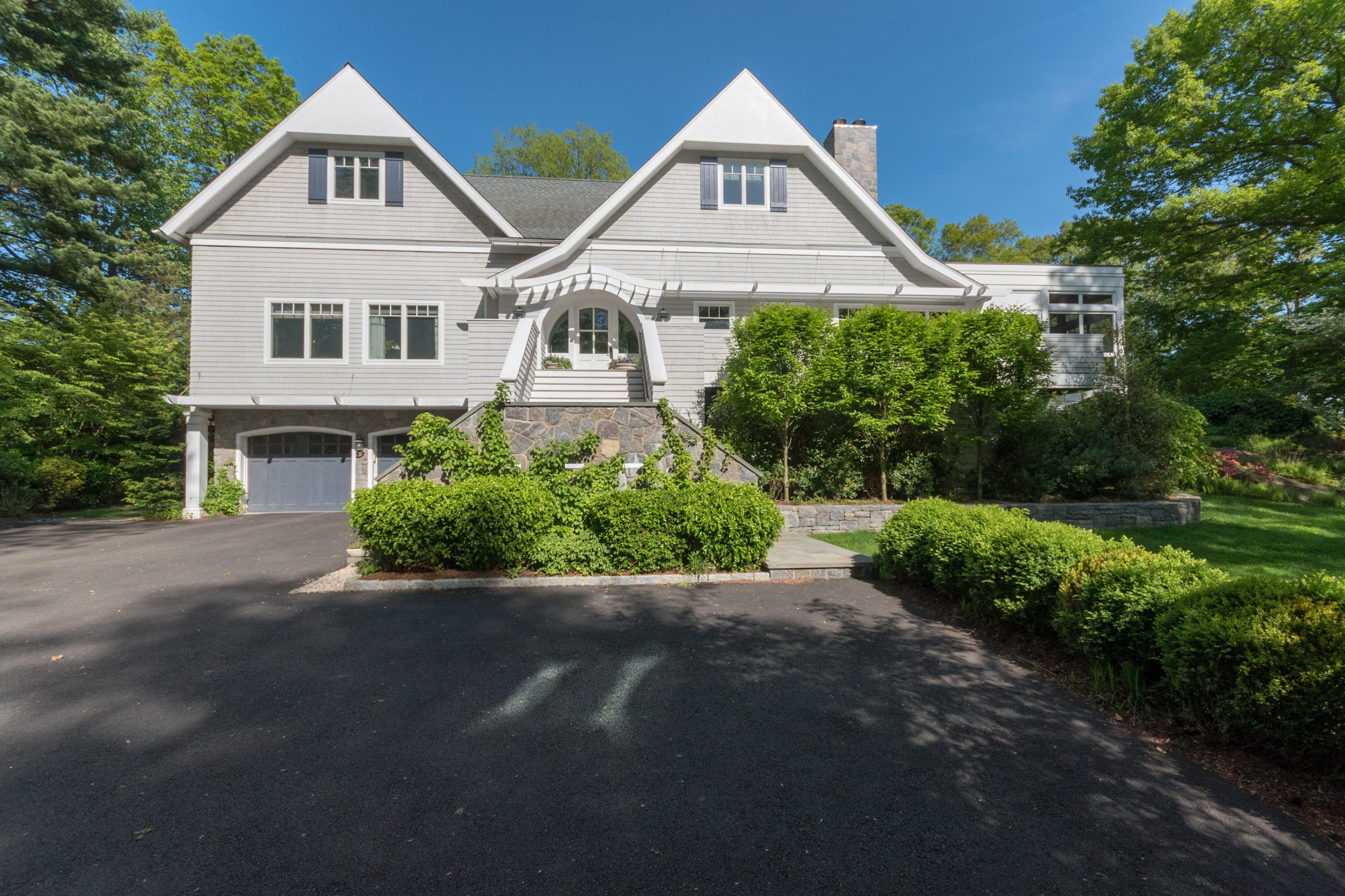 9 SEARLES ROAD, DARIEN, CT 06820