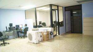 Apartamento En Alquiler En Santo Domingo, Julienta Morales, Republica Dominicana, DO RAH: 16-382