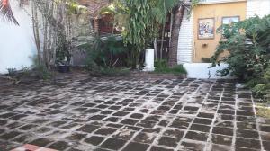 Apartamento En Alquiler En Santo Domingo, Julienta Morales, Republica Dominicana, DO RAH: 16-383