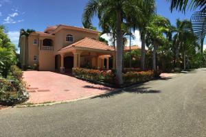 Casa En Venta En San Pedro De Macoris, Juan Dolio, Republica Dominicana, DO RAH: 16-392