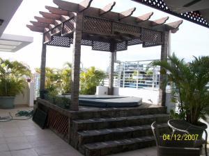 Apartamento En Venta En Santo Domingo, Evaristo Morales, Republica Dominicana, DO RAH: 17-6