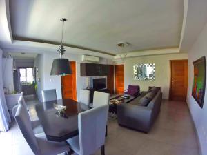 Apartamento En Venta En Santo Domingo, Viejo Arroyo Hondo, Republica Dominicana, DO RAH: 17-61