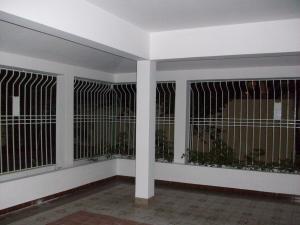 Casa En Alquiler En Santo Domingo, Los Cacicazgos, Republica Dominicana, DO RAH: 17-151