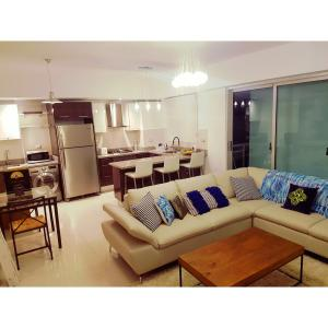 Apartamento En Alquiler En Santo Domingo, Piantini, Republica Dominicana, DO RAH: 17-177
