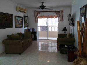 Apartamento En Alquiler En Santo Domingo, Bella Vista, Republica Dominicana, DO RAH: 17-262