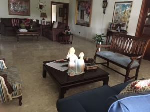 Apartamento En Alquileren Santo Domingo, Naco, Republica Dominicana, DO RAH: 17-376