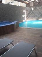 Apartamento En Alquiler En Santo Domingo, Naco, Republica Dominicana, DO RAH: 17-383