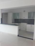 Apartamento En Alquiler En Santo Domingo, Naco, Republica Dominicana, DO RAH: 17-384
