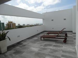 Apartamento En Alquiler En Santo Domingo, Gazcue, Republica Dominicana, DO RAH: 17-424